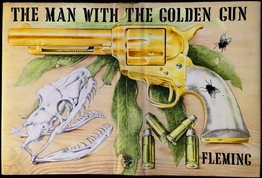 Ян Флеминг — Человек с золотым пистолетом (1965)